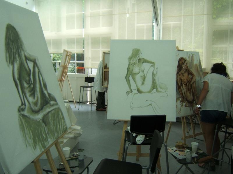 cours de peinture collectif d\'un atelier à l\'autre