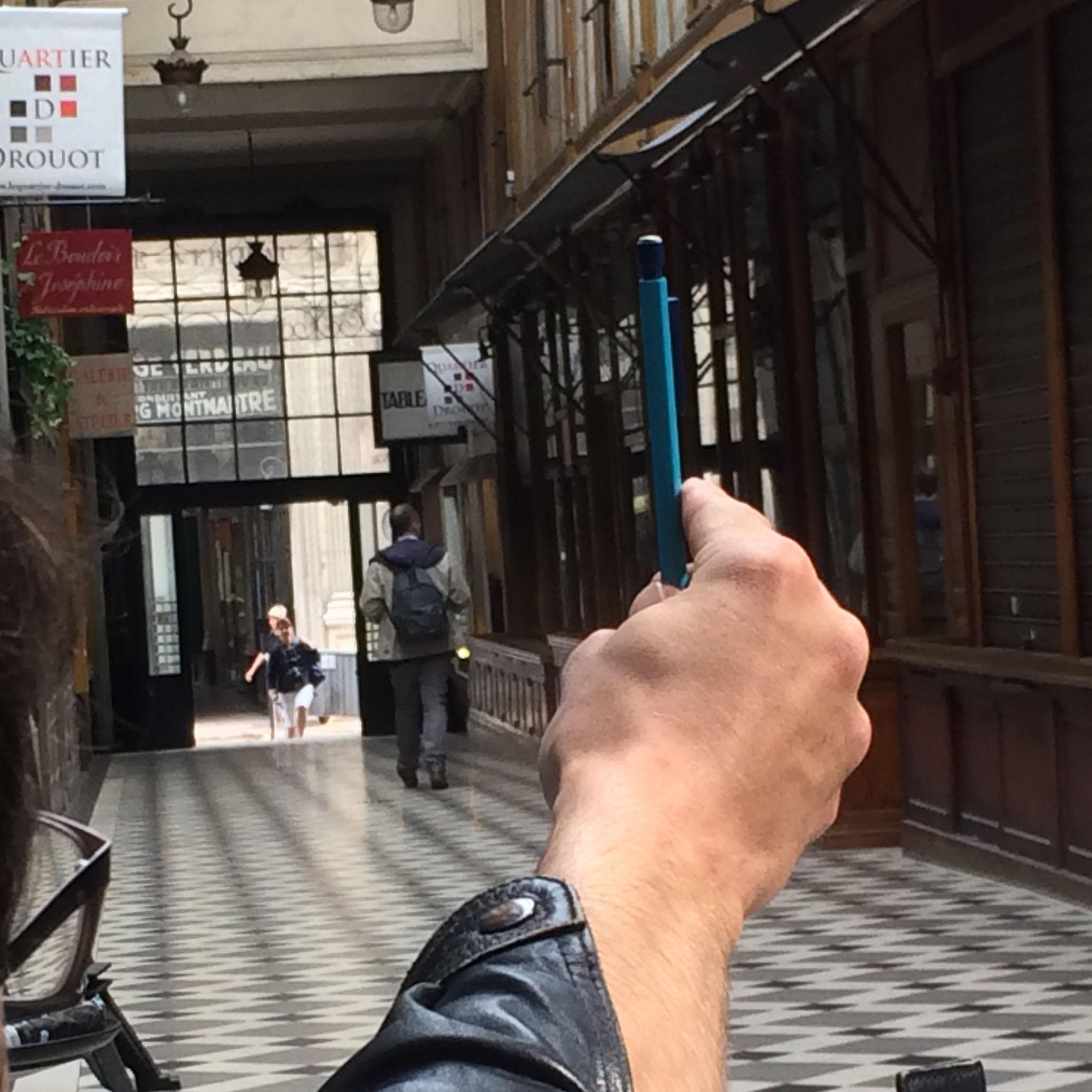 Dessin dans Paris, perspective, carnet de voyage